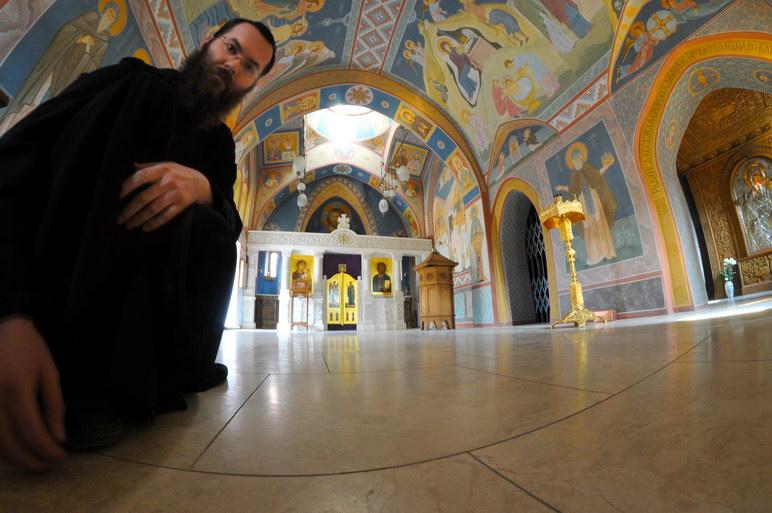 И снова я в Зверинецком монастыре. Живые фотографии о вечном 17
