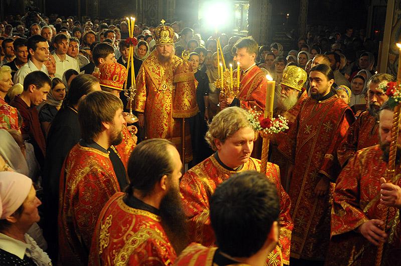 Фоторепортаж из Свято-Троицкого Ионинского монастыря о праздновании Светлого праздника Пасхи   1